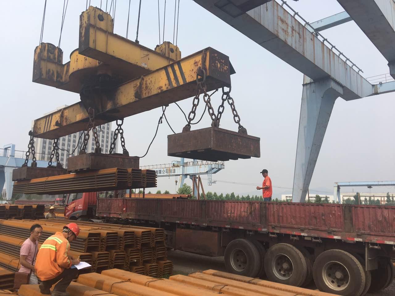 中鸿焰鑫森域钢板桩南通锦程市政建设工程有限公司发货现场