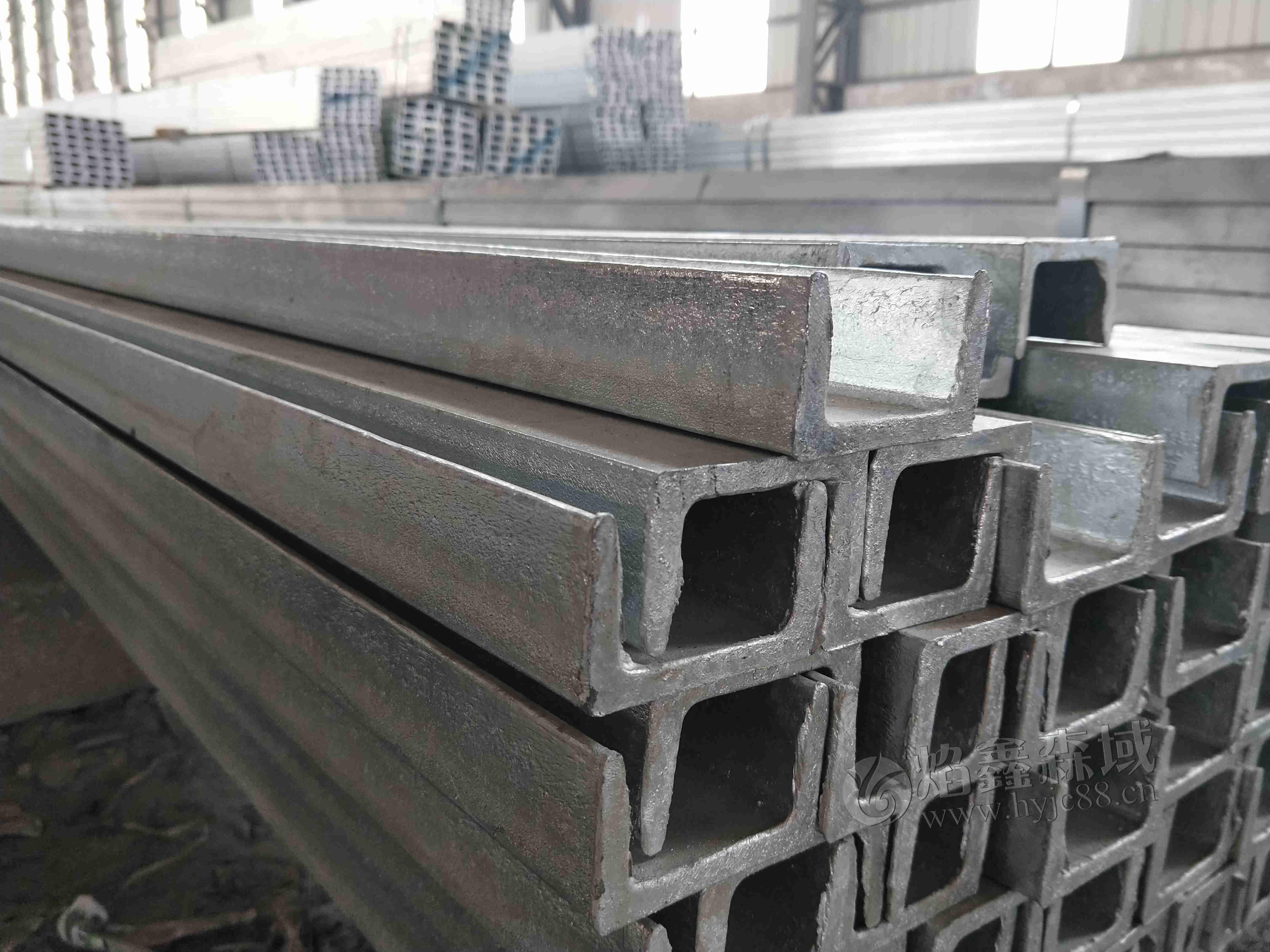 河北地区热镀锌槽钢价格是多少?