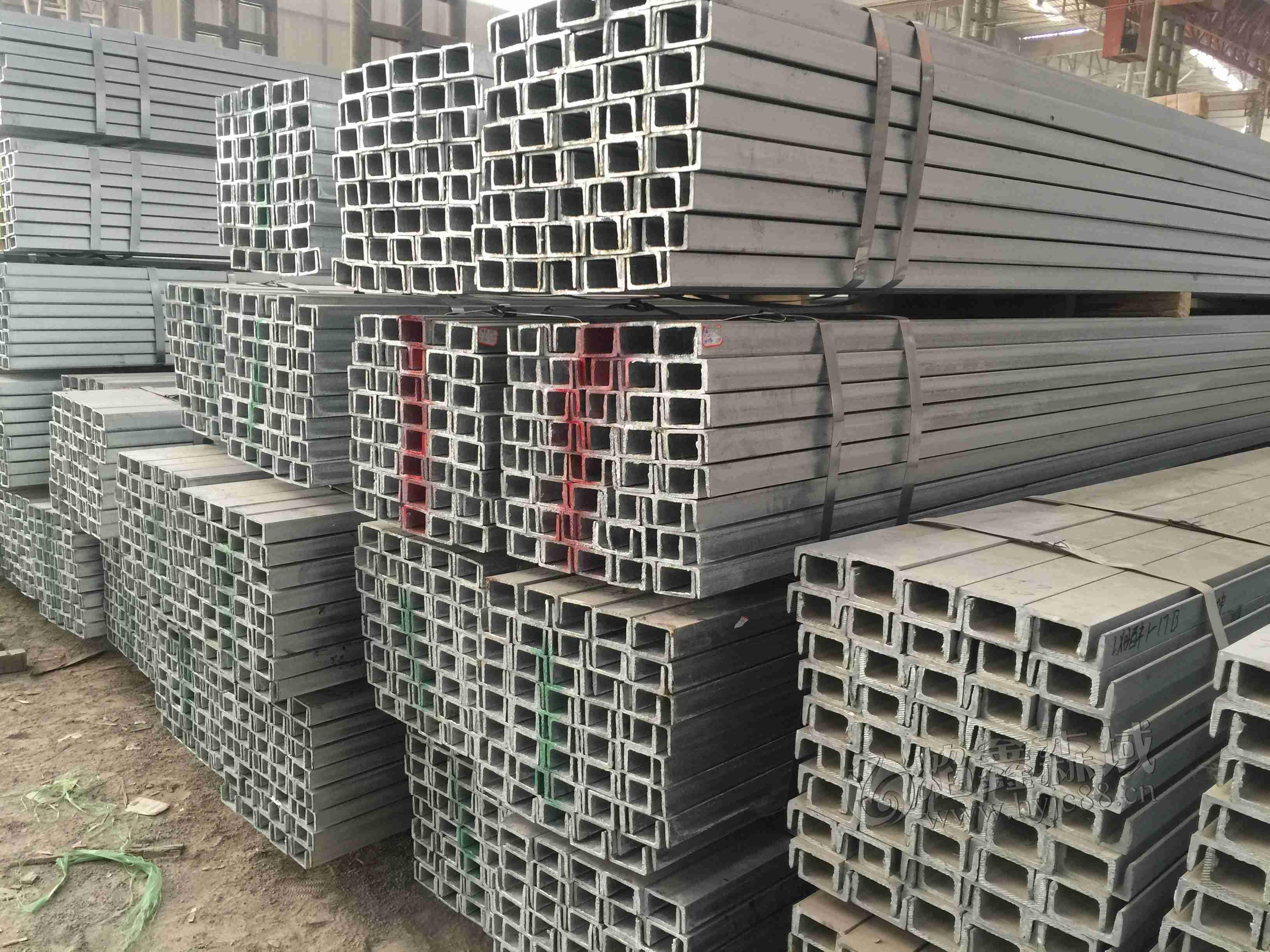 河北热镀锌槽钢厂家告诉您热镀锌槽钢是怎样生产的