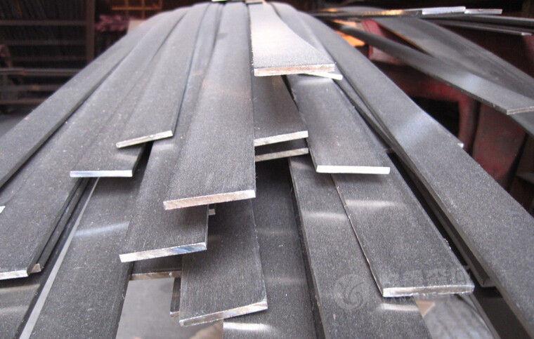 【湖北】热轧扁钢与传统钢板有何区别,扁钢厂家为您解说