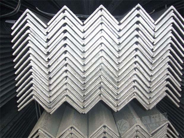 【辽宁】镀锌角钢在购买时需要注意哪些问题?